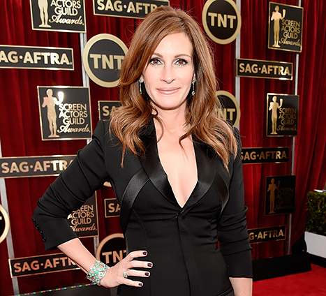 "View post titled Julia Roberts to star in, produce ""Little Bee"" adaptation"