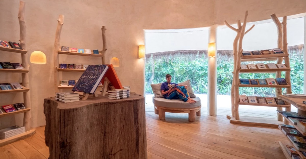 View post titled The Maldives -- and their bookstore in a luxury resort -- are reopening
